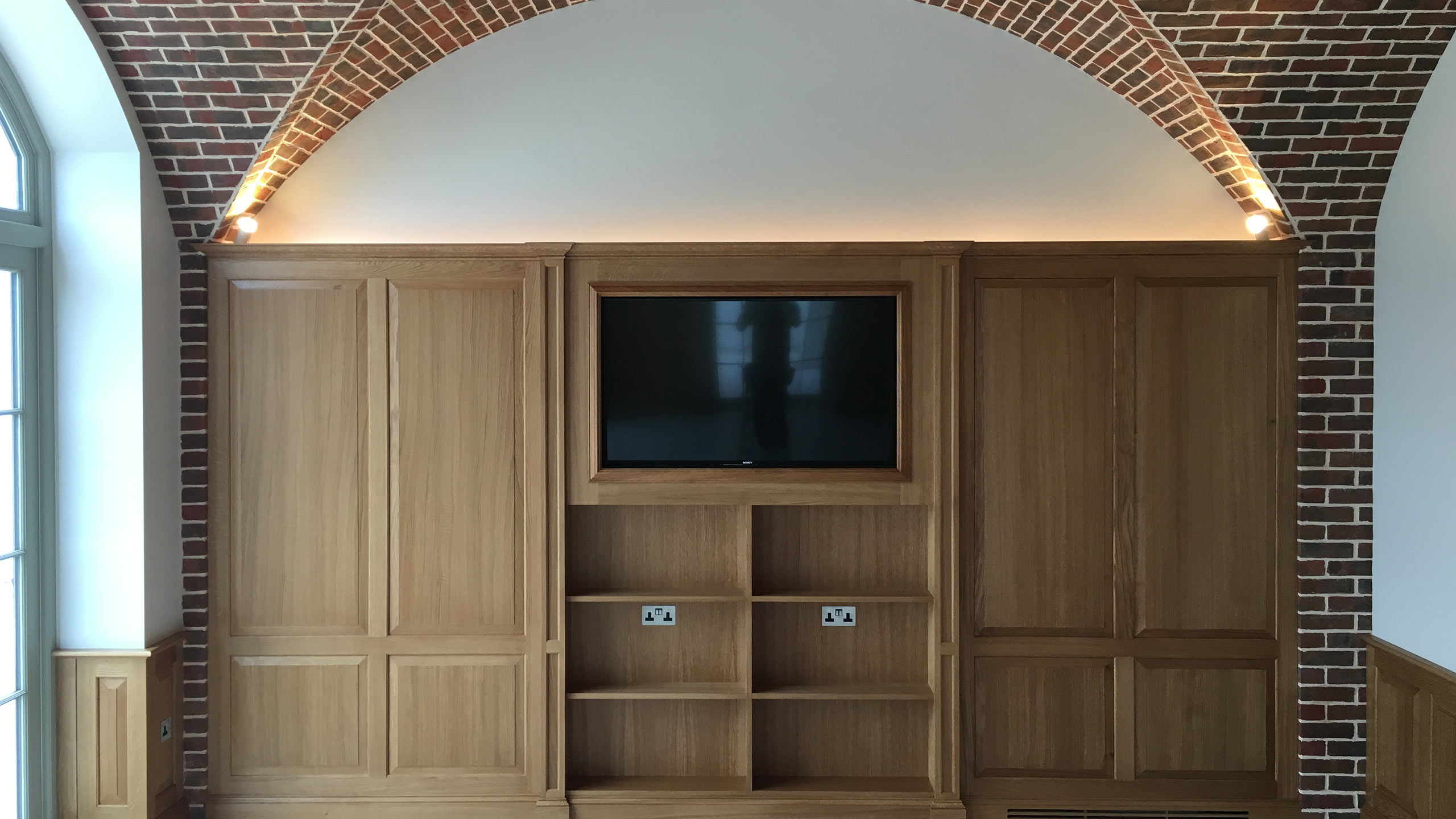 Joinery installation media unit by Neova Installation.